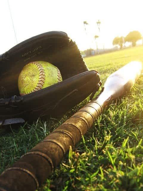 Best Baseball Equipment Guide