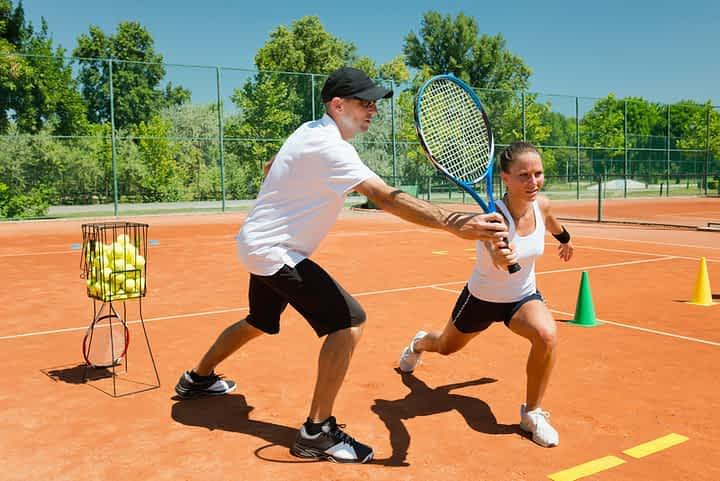 How much do tennis coach's make